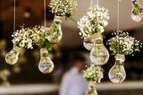 Blumendeko Hochzeit: Hängedeko mit Blumen