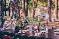 Blumendeko Hochzeit Blumenschmuck Vintage