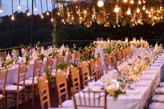 Blumendeko Hochzeit: Tischmuck weiß