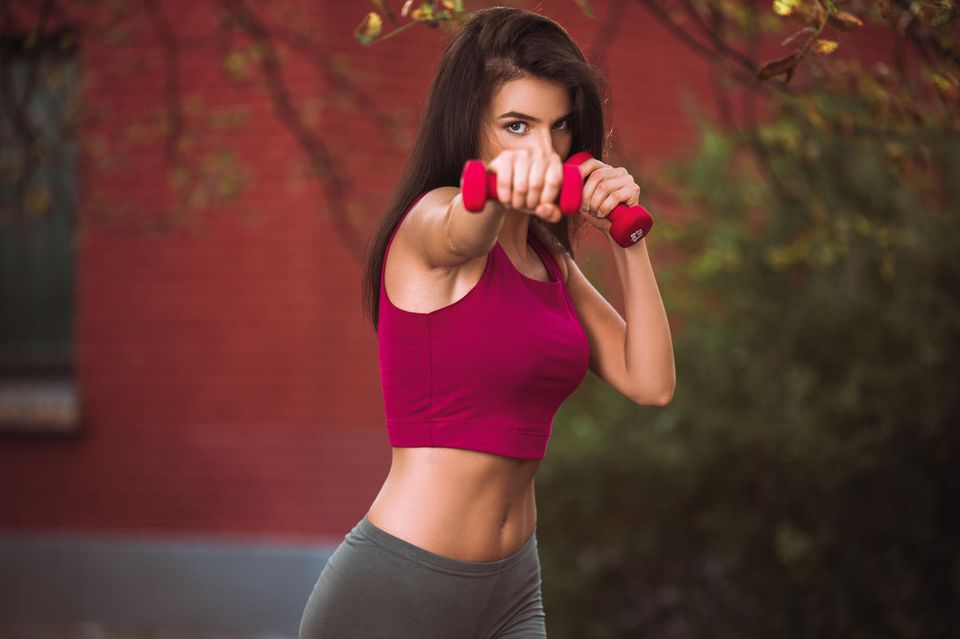 Übung 3 für straffe Arme: Boxing