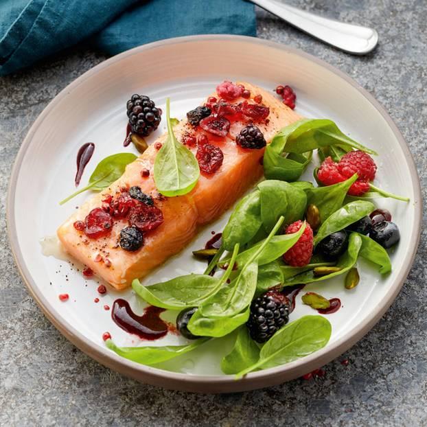 Spinatsalat mit Lachs