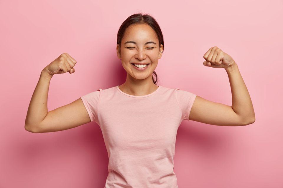 Scheitern: Junge Frau zeigt Stärke