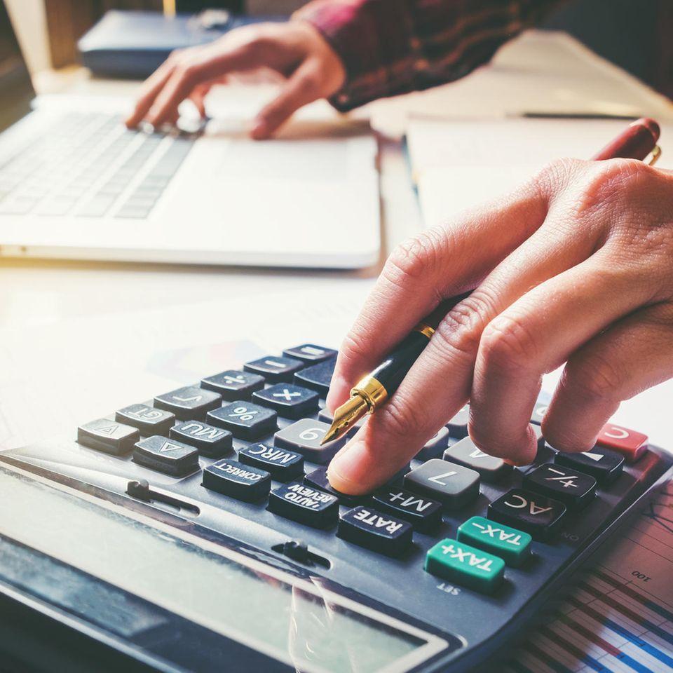 Quitt sein: Kalkulationen am Taschenrechner
