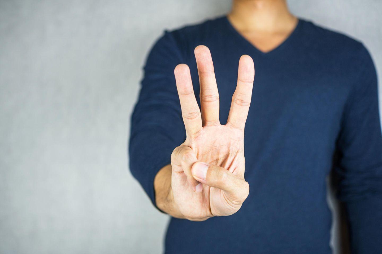 Aller guten Dinge sind drei: Drei Finger angezeigt