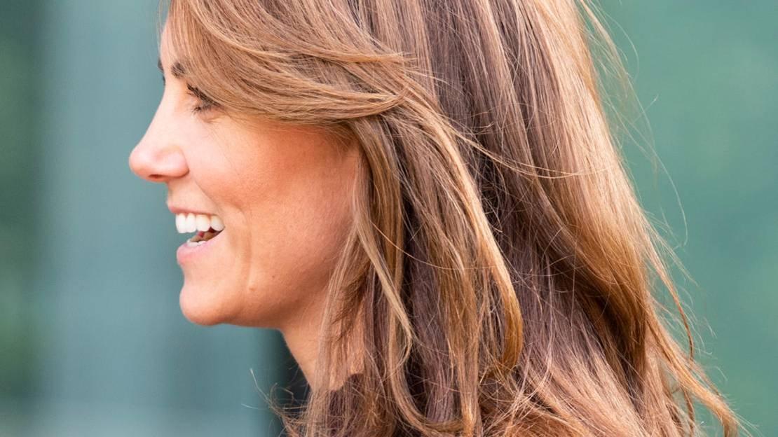 Sweeping Fringe: Das ist der coolste Frisuren-Trend für 2020 – versprochen!