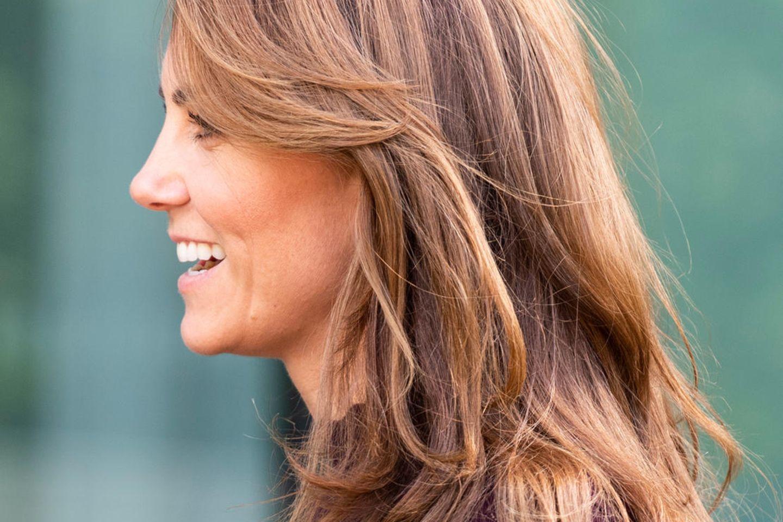 Herzogin Kate trägt bereits seit Jahren den Sweeping Fringe.
