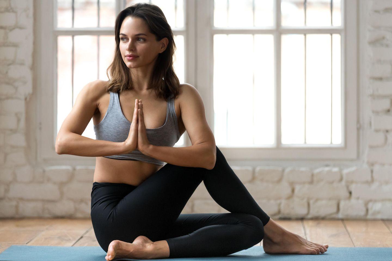 Kraft aus der Mitte - dank Bauch-Yoga