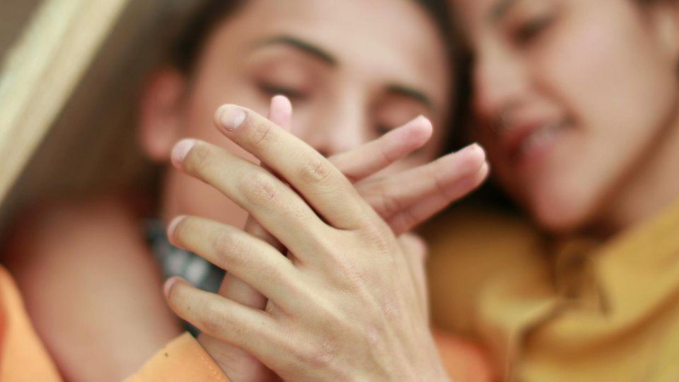 3 Sternzeichen, die treu bleiben - komme, was wolle: Verliebtes Paar