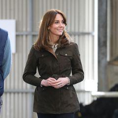 Casual Looks der Royals: Herzogin Kate im grünen Parka