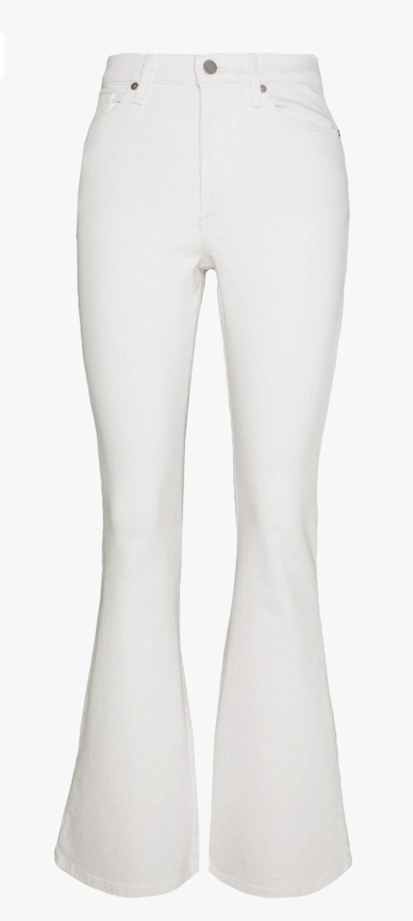 Weiße Schlaghose