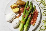 Speck-Mousse mit grünem Spargel und Bacon