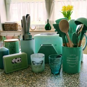 Zuhause: Mintfarbene Gegenstände