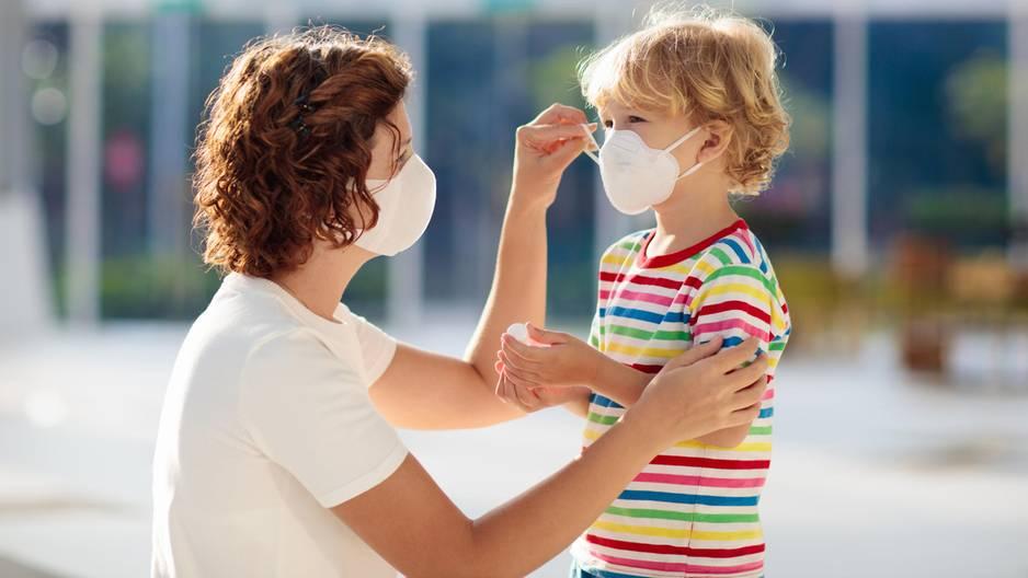 Mundschutz-Verbot für Kinderbetreuer