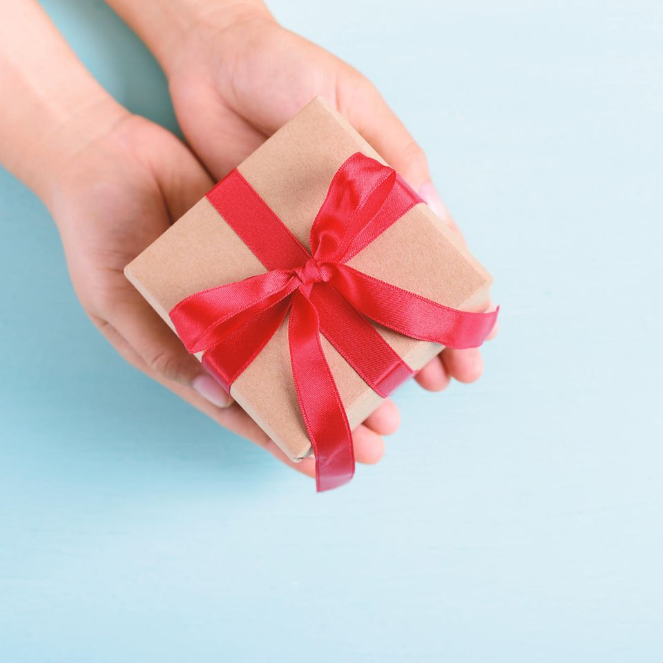 No-Go-Geschenke in der Beziehung: Geschenk