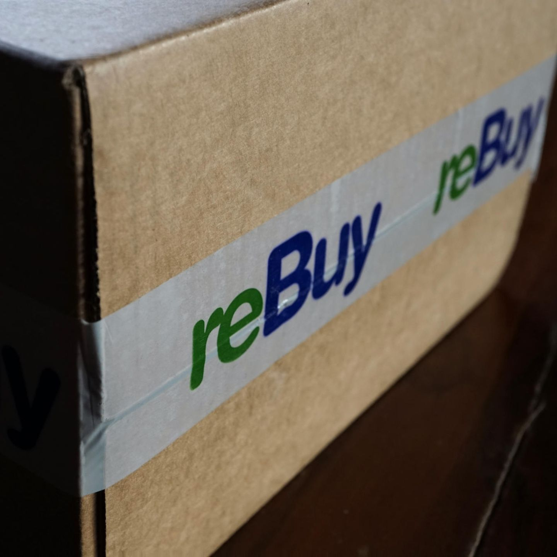 Was kann ich verkaufen? Bücher, DVDs, CDs, Handys, Tablets, Software, Spielkonsolen, Spiele und Apple-Produkte    Wie funktioniert das? Das Prinzip von Rebuy funktioniert wie Momox. Wer viel verkaufen möchte, kann auch hier die Produkte schnell mit einer App für iPhones oder Android-Geräte scannen.    Was muss ich noch wissen? Rebuy übernimmt ab einem Wert von zehn Euro den Versand. Über Rebuy können Sie auch gebrauchte Sachen kaufen.