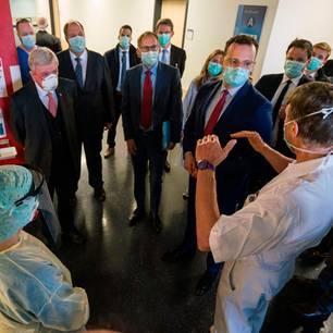 Corona aktuell: Politiker und Ärzte