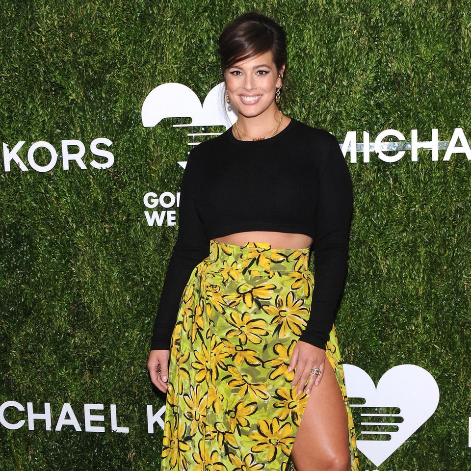 Curvy Stars: Ashley Graham im Blumenrock