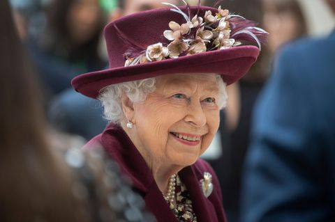 Königliche Audienz: Das tragen die Promis bei der Queen