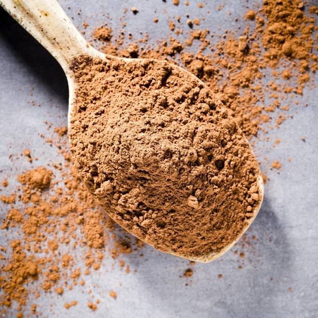 Powdered food: heaped spoonful of powdered food