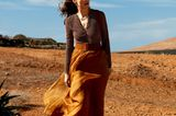 Mode in Naturfarben: Blusenbody zu Seidenrock