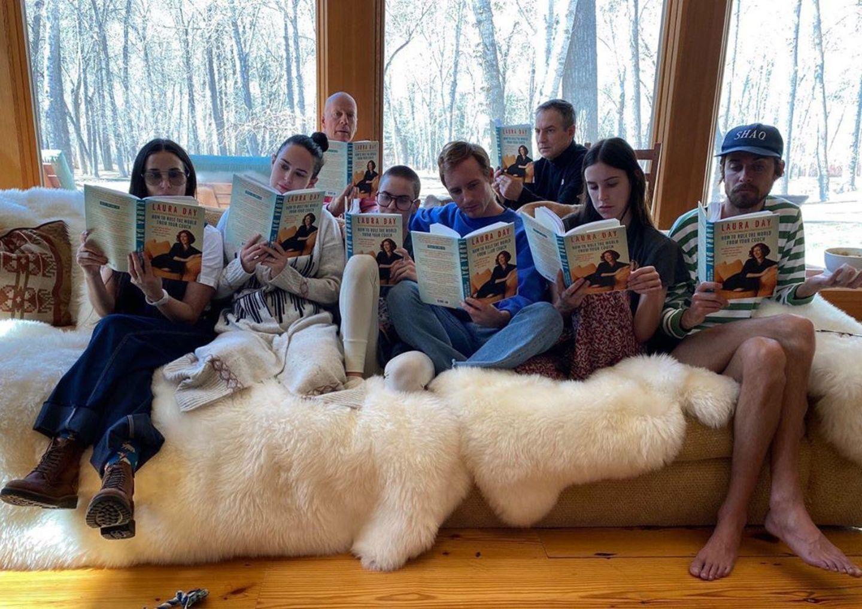 Stars im Home Office: Demi Moore und Bruce Willis mit Familie