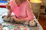Stars im Home Office: Drew Barrymore spielt Brettspiel