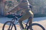 Stars im Home Office: Victoria Beckham auf einem Fahrrad