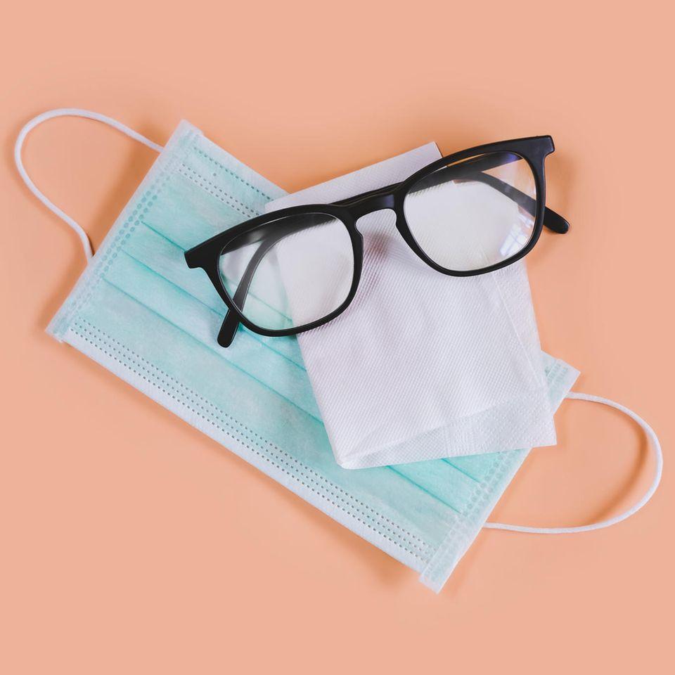 Corona aktuell: Brille beschlägt durch Schutzmaske – das hilft dagegen