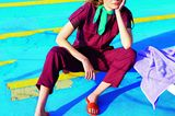 Bunte Mode: Roter Overall