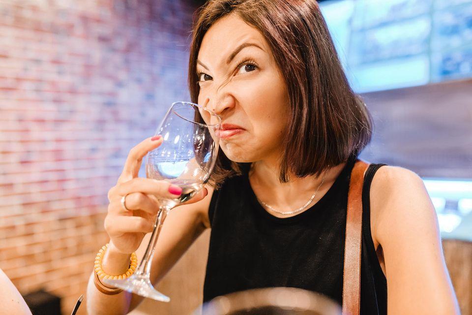 Daran erkennst du schlecht gewordenen Wein
