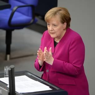 Corona aktuell: Angela Merkel im Bundestag
