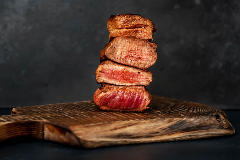 Steak-Garstufen: Steaks in verschiedenen Garstufen