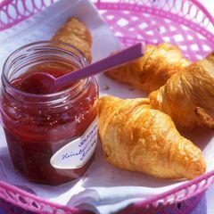 Rhabarber-Erdbeer-Himbeer-Konfitüre mit Vanille und Pernod