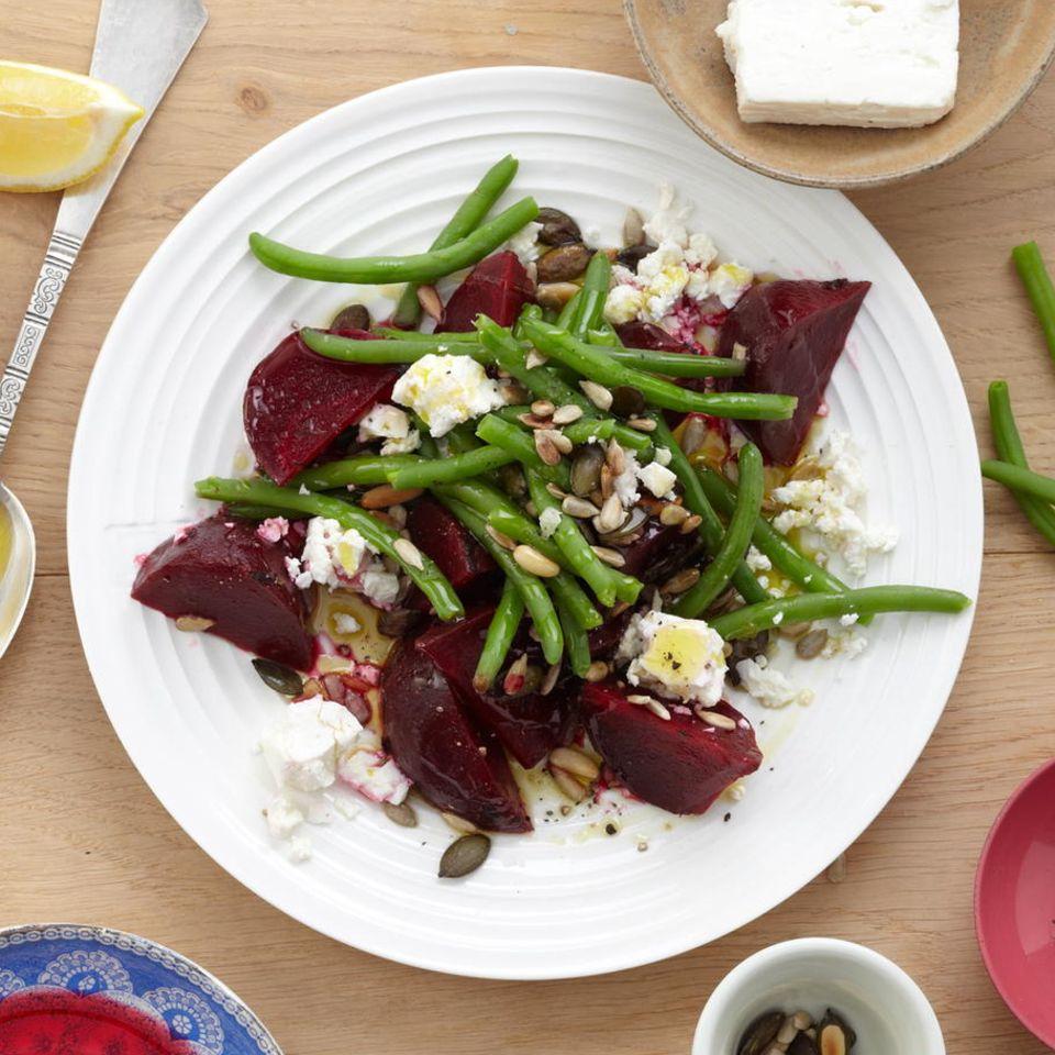 Bohnensalat mit Kernen und Feta