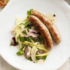Salsiccia mit Salat