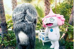 Beziehungsfähig: Haarige Monster in Garten
