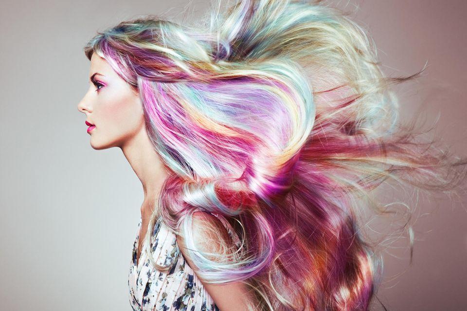 Holographic Hair: Frau mit Holographic Hair