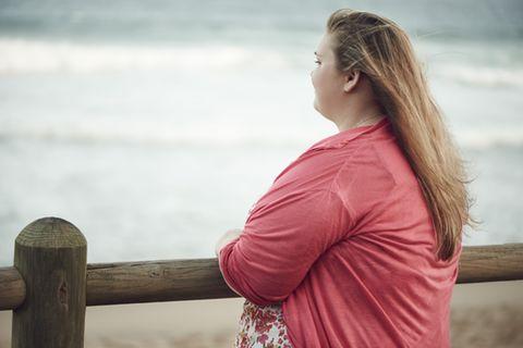 Corona aktuell: Übergewichtige Frau