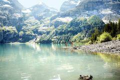 Urlaub in der Schweiz: Oeschinensee