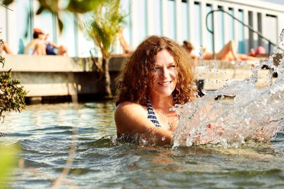 Urlaub in der Schweiz: Sylvia Heinlein im Badesee