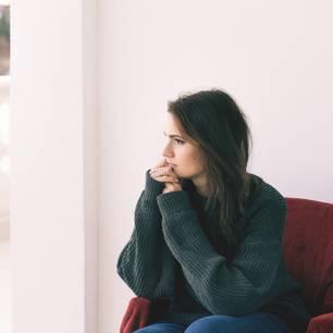 Slow Fading: Eine traurige Frau