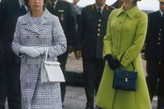 Queen Elizabeth II.: im Mantelkleid