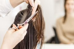 Haarschnitt misslungen? Diese 6 Lösungen können helfen