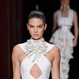 Fox Eyes: Kendall Jenner auf der Balmain Modenschau