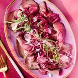 Roastbeef mit Zitronen-Mayo und Radieschen-Rotkohl-Salat