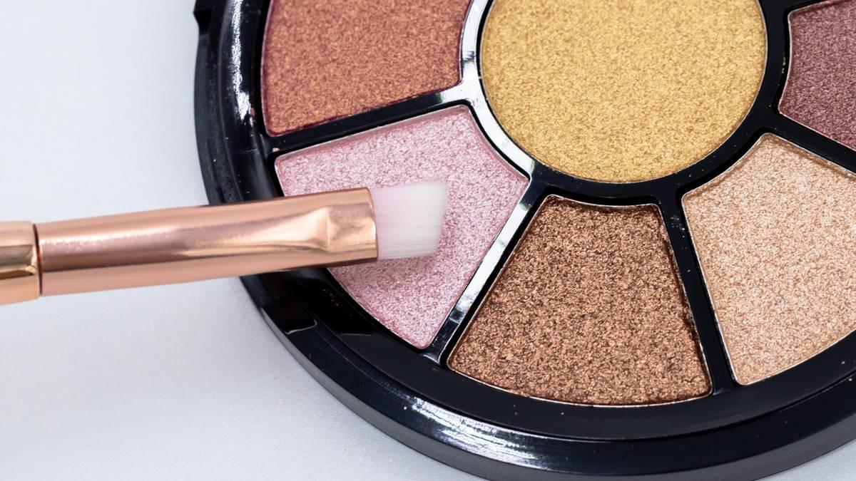 make-up-expertin-verr-t-3-beautytipps-die-dich-j-nger-sofort-aussehen-lassen