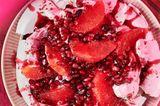 Pavlova mit Grapefruit und Granatapfelkernen