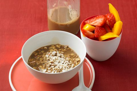 Café-Müsli mit Früchten