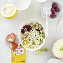 Müsli-Mix mit Erdbeer-Vanille-Topping