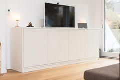 Fernseher verstecken: Sideboard mit Fernseher